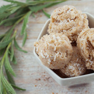 Raw Coconut Chai Tea Macaroons